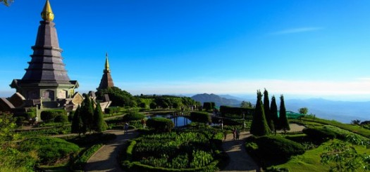 Naphamethinidon, Naphaphonphumisiri near summit of Doi Inthanon by Lester Mathias Andersson (creative commons)