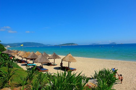 Sanya_beach_by_Dale_Preston