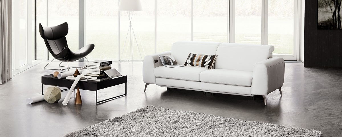 Madison sofa with electric seat, head and foot rest motion rechargeable lithium battery included_Print 150dpi (jpg)_1