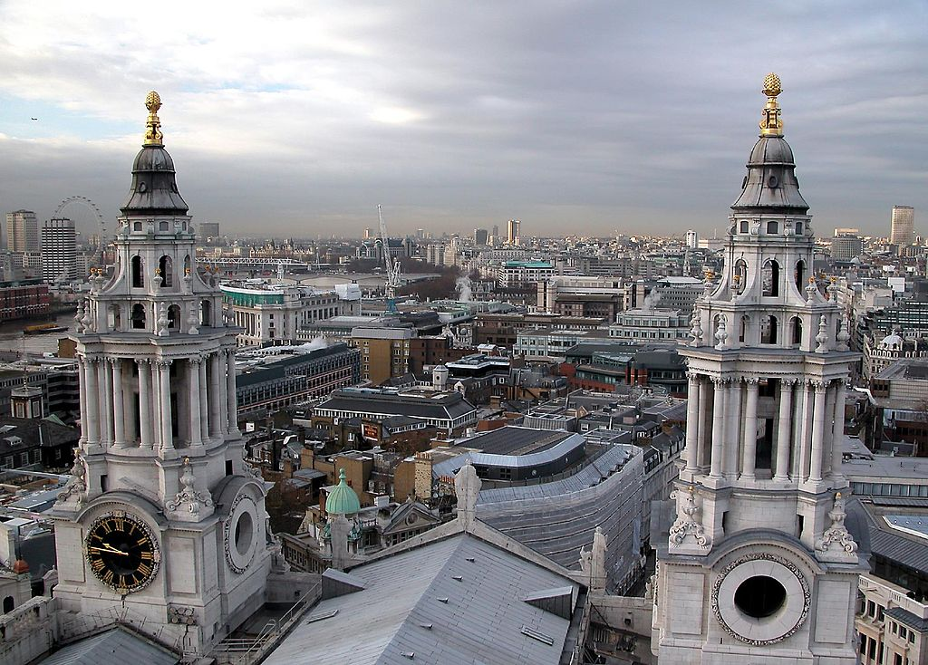 Despite its expensive reputation, it is possible to see London on a Budget ... photo by CC user 90933305@N00 on Flickr