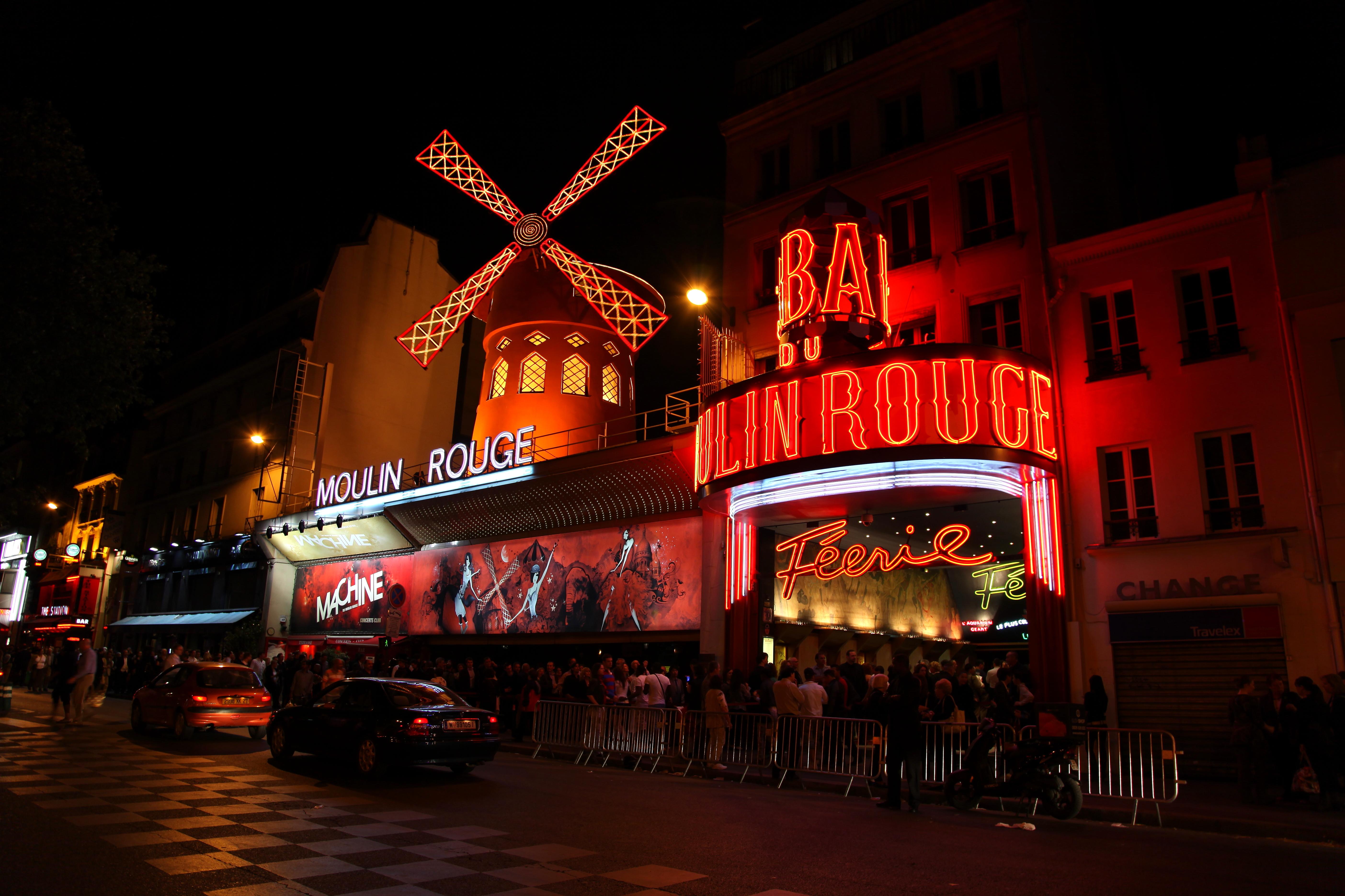 Nightlife of Paris