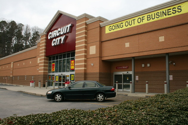 1280px-2009-02-26_circuit_city_going_out_of_business