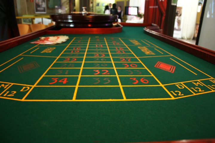 why casino tables are green